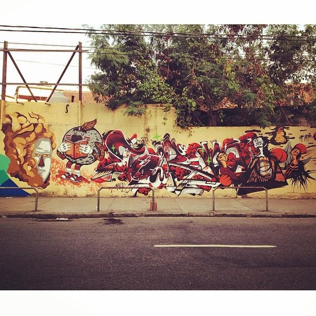 @ecsuecsu @viniciuscarvas @tarm1 @gmemibr #streetartrio #viniciuscarvas #carvas #aeg #nrvo  Classe!!