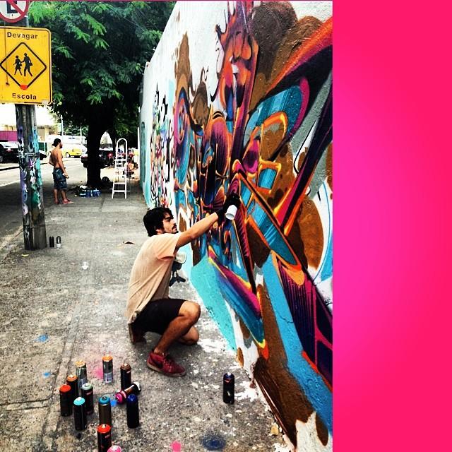@tarm1 #explosion #encontro #graffiti #cap #lagoa #jb #arteurbana #artederua #streeetart #streetartrio #streetstyle #idolnostyle #crew #djonereal #marygirl #mm #pinkgirl #artcollective @idolnoproject