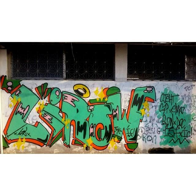 Chapa de vila #writer #ruasdazn #streetartrio #complexodamaré #graffiti #invasaocrew #137 #capking #graffgang #streetart #vandal