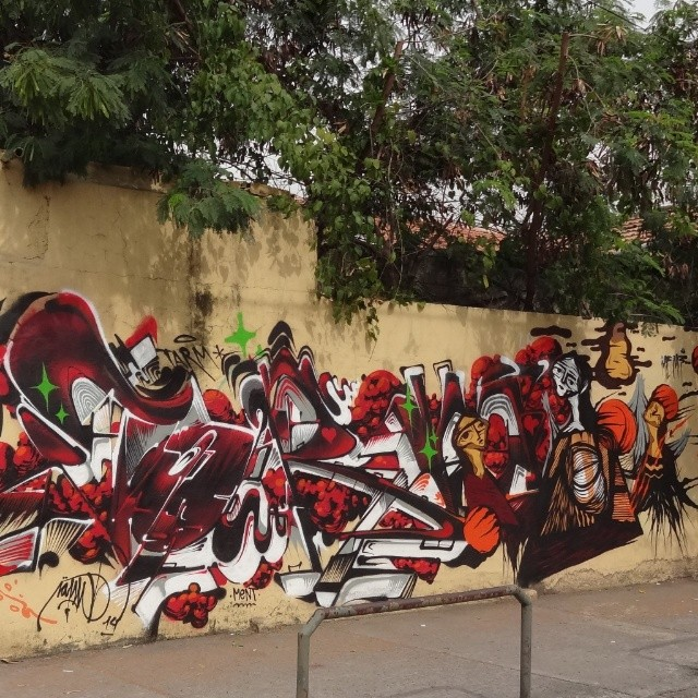 Collab graffiti wall by @tarm1 and @gmemibr . #gmemi #guilhermemi #NRVO #riostreetart #streetartrio #urbanart #graffitiart #streetart #artederua #arteurbana #graffitibrasil #riodejaneiro