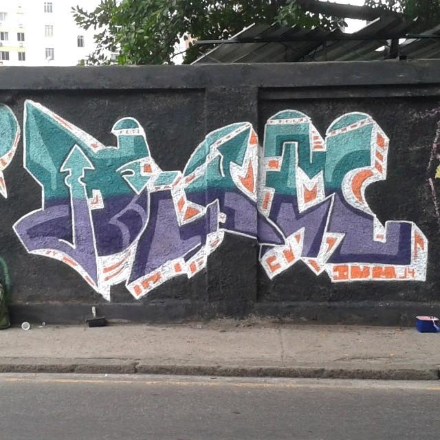 Dum do dia #dum #instagrafite #graffiti #montana94 #artederua #arteurbana #graffiticarioca #streetart #streetartrio #arteruario #grajau