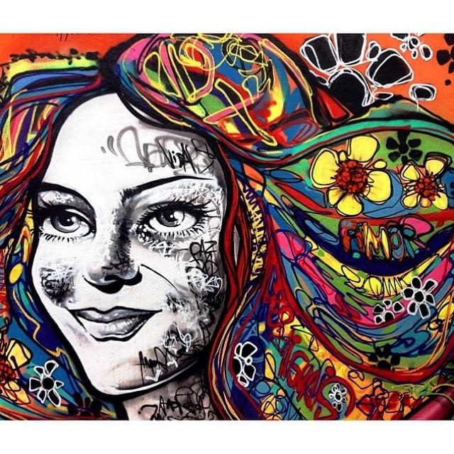 Morro dos prazeres: caminho do graffiti. Fantástico Graffiti de @marceloment em foto de @cvieira, !! Outra boa pro fds é a exposição do Dalí que começou hj no CCBB. Mostre o melhor angulo do Rio e apareça aqui #bestinrio