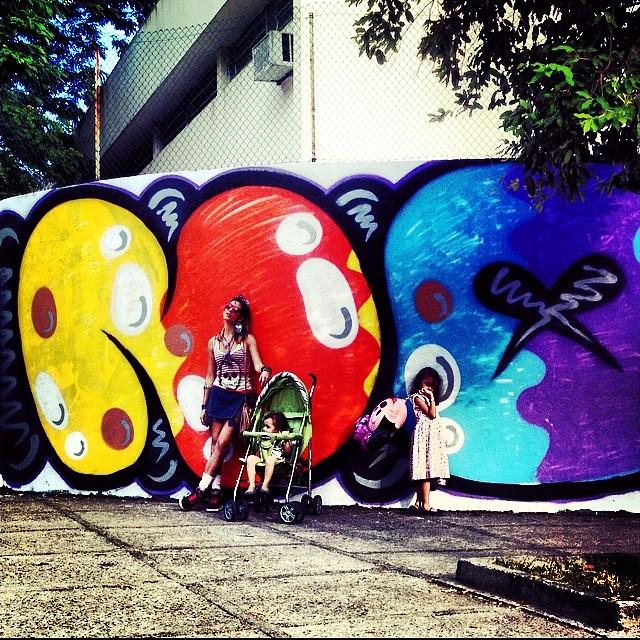 NO! #bomb @idolnoproject  #meeting #graffiti #cap #crew #djonereal #mm #ninabailarina #pinkgirl #nibiru #marygirl @sockppxi @bru_olive #artcollective #artederua #arteurbana #streetart #streetartrio