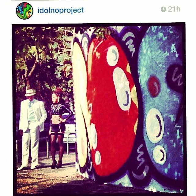 Ontem o mestre #spikelee @sheltonjlee #filmou em frente ao nosso #graffiti #bomb #NO #djonereal ali no #cap #lagoa #jb #artcollective @idolnoproject #arteurbana #artederua #streeetart #streetartrio #movie @dasistah