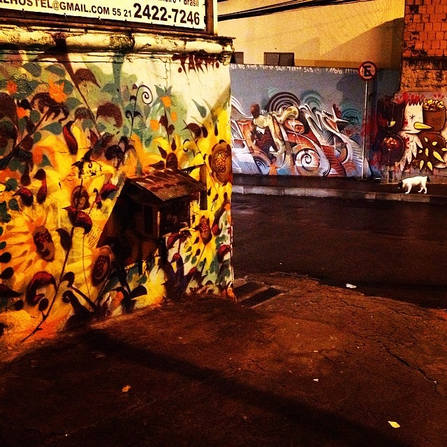 Parado na esquina. @tarm1 #vidigal #streetartrio #caobento #ctrlaltrio