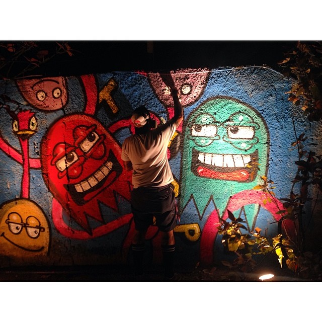 Pintando aqui no misturock com o rafa #trapacrew #streetartrio