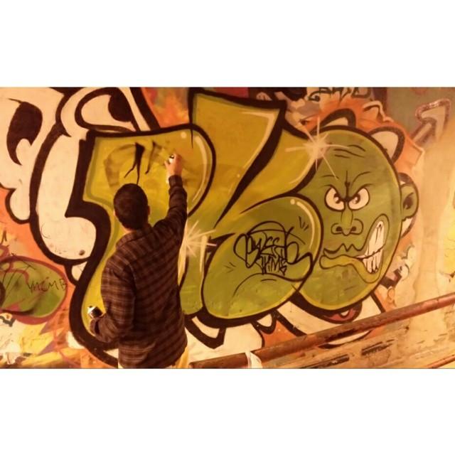 RIVER! #river #bocadolobo #bombing #vandal #throwup #letrasgraffiti #lettersdesign #letrabalao #letragorda #2cores #sk8 #streetart #Brazil #tag #streetartrio #real #bko