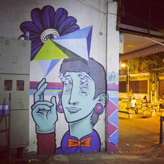 Waking team na pista. @jaderdk + Lucas Ururahy #Streetart #artederua #streetart #arteurbana #Spray #artevida #graffiti #wakingconscience #streetartrio
