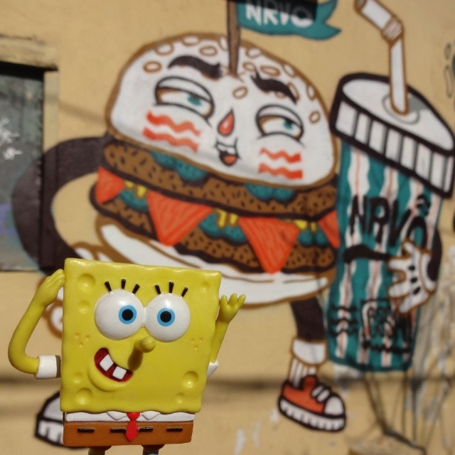 Who wants a burger from Cashland? #carvas #NRVO #bobesponja #spongebob #squarepants #krabbypatty #krustykrab #fastfood #burger #hamburger #stephenhillenburg #nickelodeon #riostreetart #streetartrio #urbanart #graffitiart #artederua #arteurbana #graffitibrasil #riodejaneiro