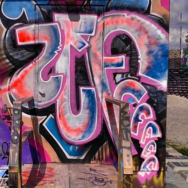 Zef #graffiti_and_grime #graffiti #graff #streetart #streetartrio #streetarteverywhere #streetartarchive #graffbex #graffitigram #graffitiworld #graffities #urbanwalls #urban_graffiti #urbangrafite #cityart #citywalls #klotter #instagraffiti #instagraff #ilovegraffiti #ilovebombing #elgraffiti
