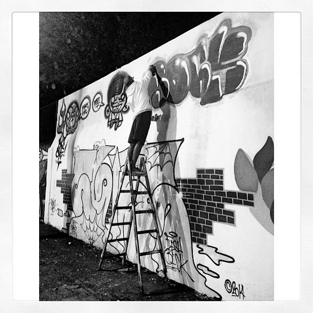 #action @sockppxi no muro o master @rafaelsliks #djonereal @marygirlstyle #streetart #streetartrio #graffiti