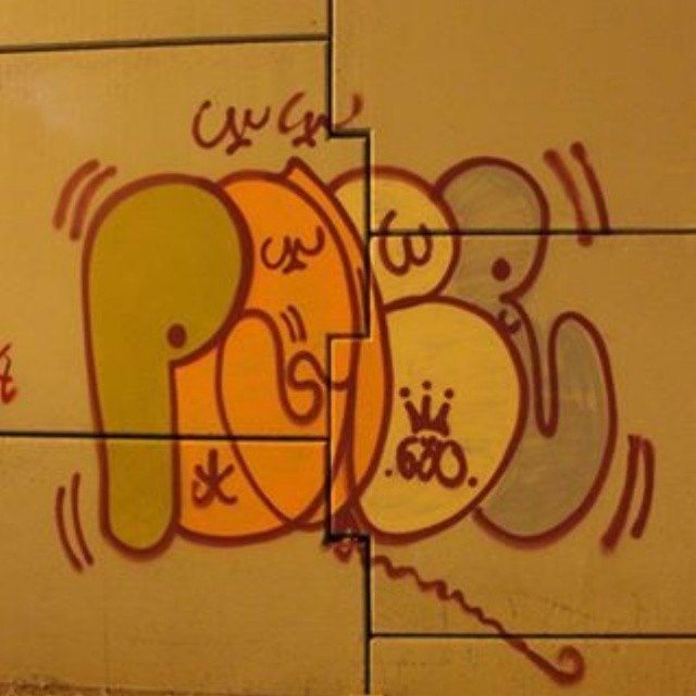 #estiloriginal #classicgraffiti #vandal #tagsandthrows #StreetArtRio #poderafro