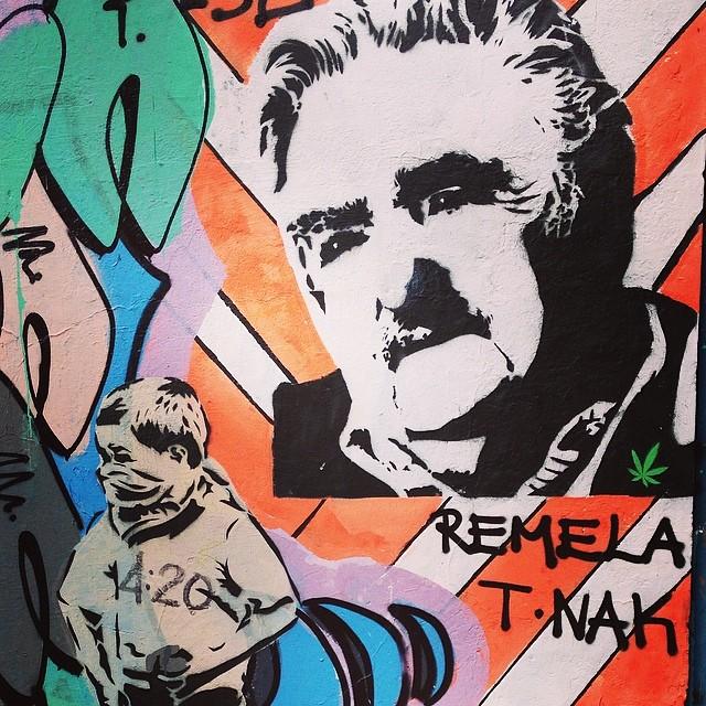 #streetart #graffiti #stencil #urbanart #carioquissimo #mujica #grafite #artederua #streetartrio #dope #marijuana #laranjeiras #rioiloveyou #rio #brazil #errejota