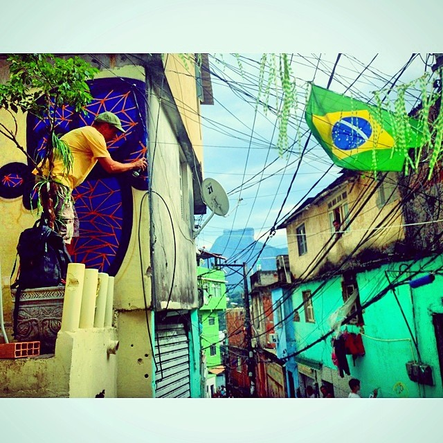 @mga021 #action #brasil #rocinha #multiraorocinha @warkrocinha @sockppxi #djonereal #kadinho #streetartrio #streetart #graffiti