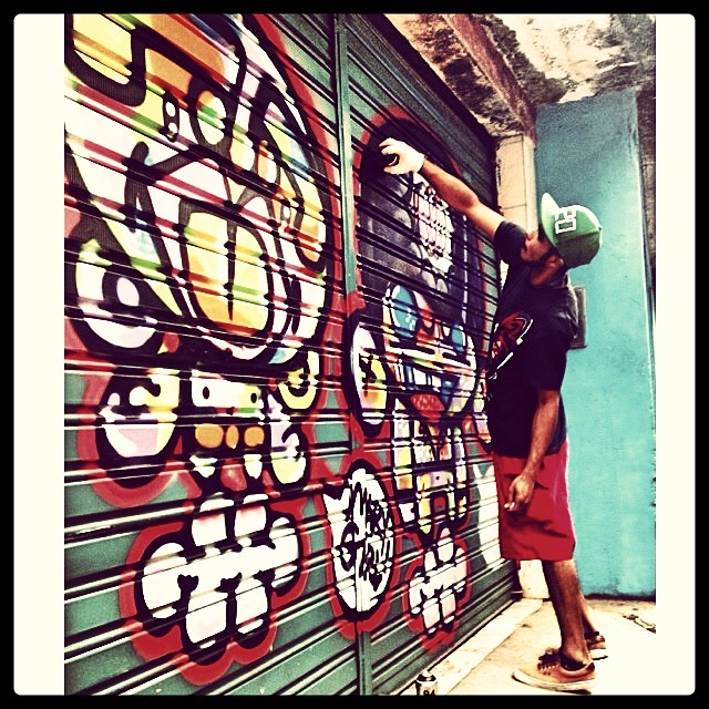 @sockppxi & #djonereal #ruadois #mutiraorocinha #streetartrio #streetart #graffiti #rocinha #wark #action #kadinho