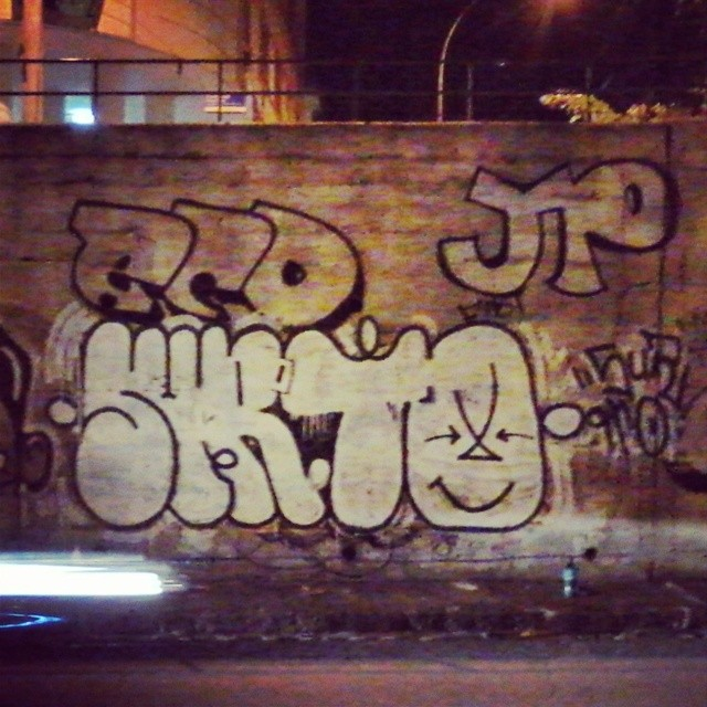 Ainda sobre ontem a noite... Still about last night... #surto #throwup #bomb #ilovebombing