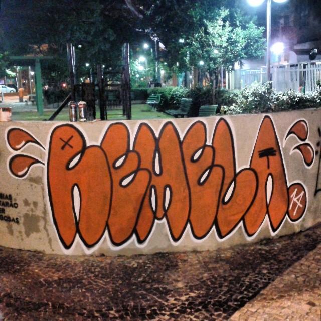 Apagaram ontem, voltamos hoje. Decretou ta decretado. #bomb #graffiti #streetartrio #streetart