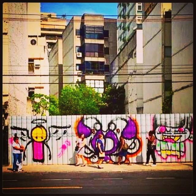 Babilônia! #oldpic #djonereal #graffiti @warkrocinha & @sockppxi & @idolnoproject #artcollective #arteurbana #artederua #streetart #streetartrio