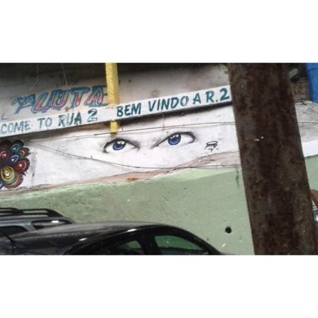Bem-vindo a Rua 2 • Comunidade da Rocinha - Rio de Janeiro  @warkrocinha #rocinha #pngone #streetartrio