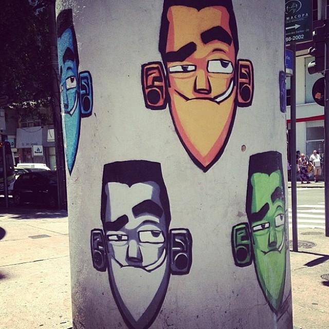 By @marceloeco #streetart #graffiti #streetartrio #tijuca #eco #marceloeco #grafite #artederua #art #carioquissimo #riomais #rio #errejota #brazil #riodejaneiro #urbanart