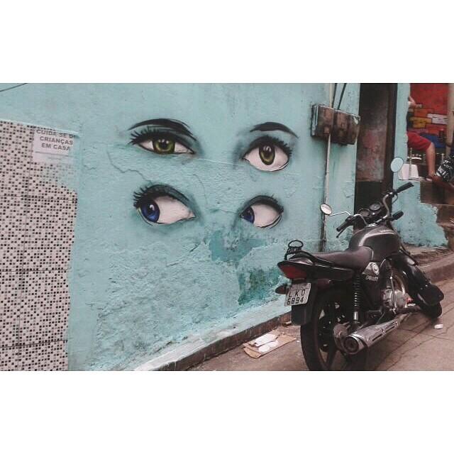 Dia de pintura! Mutirão que rolou hoje na Comunidade da Rocinha. Valeu @warkrocinha pelo convite  #pngone #rocinha #streetartrio