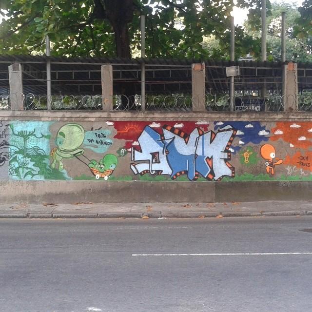 Domingo de pintura com amigo Panks #dum #instagrafite #graffiti #montana94 #artederua #arteurbana #graffiticarioca #streetart #streetartrio #arteruario #grajau