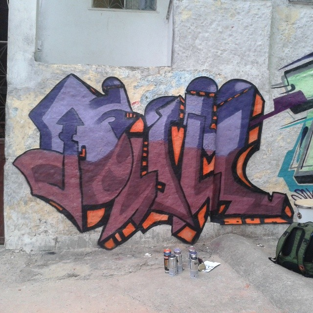 Dum de Domingo #dum #instagrafite #graffiti #montana94 #artederua #arteurbana #graffiticarioca #streetart #streetartrio #arteruario #rocinha