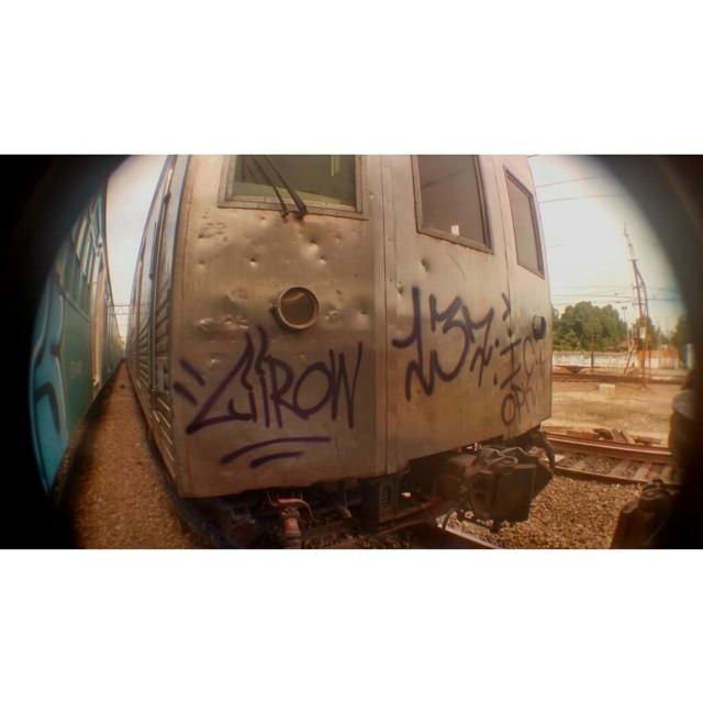 É isso ai #train #tag #streetartrio #vandal #fuckthepolice #criminal #playground #ic #ruasdazn