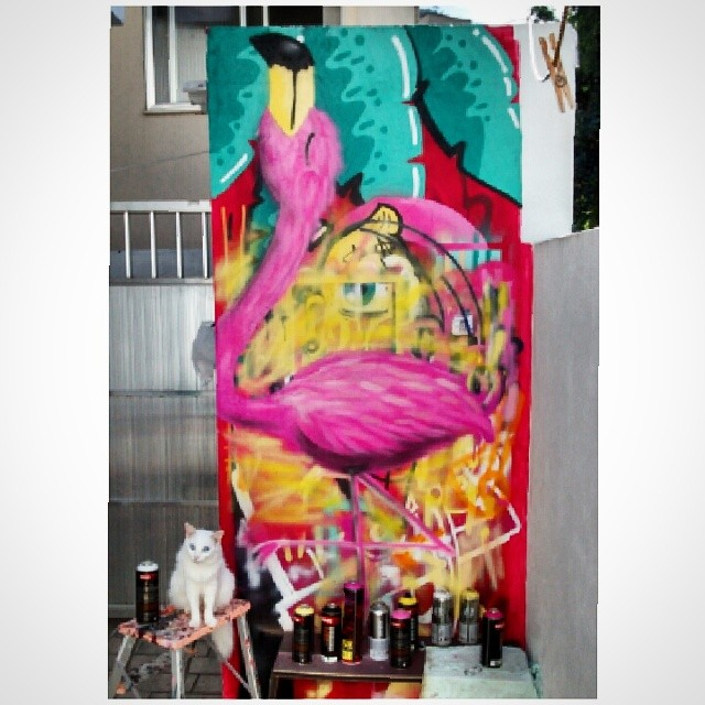 Fabulous #flamingo #graffiti #grafite #farinha #instacat #cat #rafa #teste #streetart #streetartrio #trapacrew