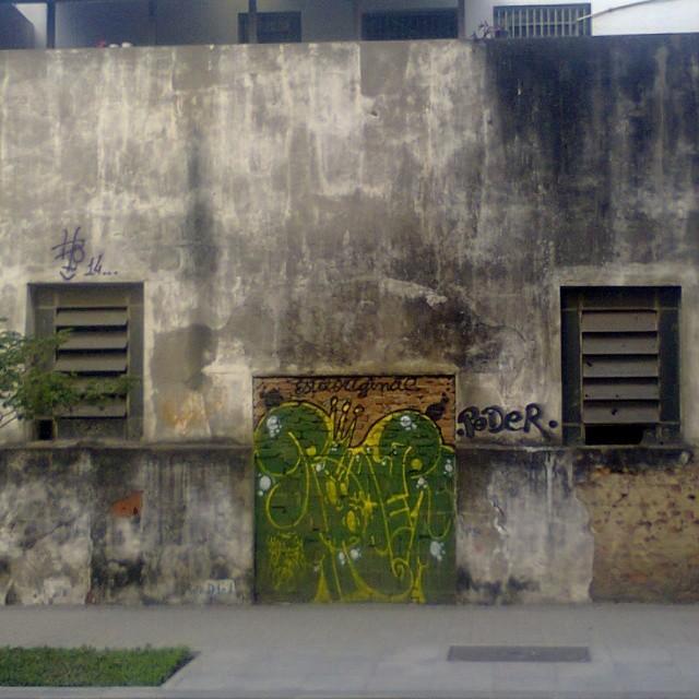 Foto repetida mais agora d mais longe e d dia #tagsandthrows #graffitirj #vandal #StreetArtRio centro_rj