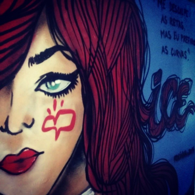 Lady in red... @mara_piikena #StreetArtRio #graffiti #rocinha #vibeboa