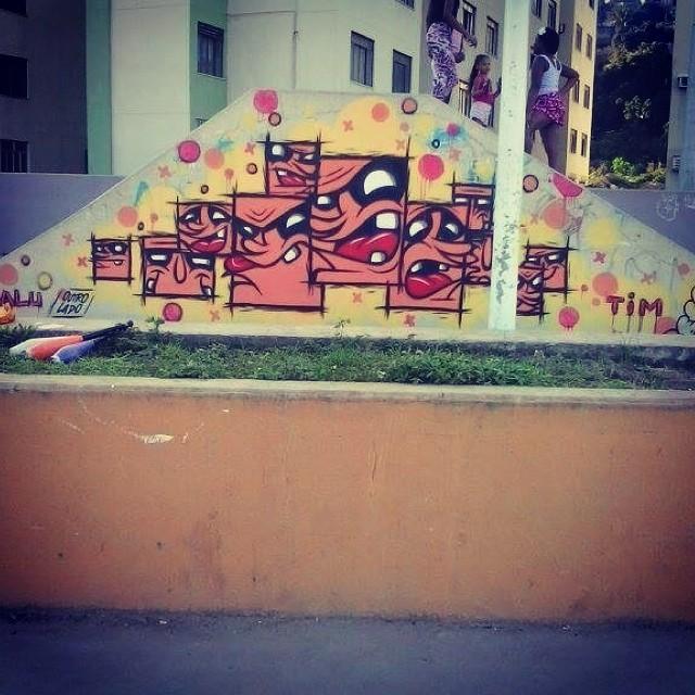 Nosprédios #skatelife #grafffitiismylife #menozadadahora #rsrs #Streetartrio #napistadesk8 #nospredios #kadraTim #nãosomoskadrados #saidadacaixa #penseforasdela #goodvibes #positivevibratiom #graffiti #instagraffiti #