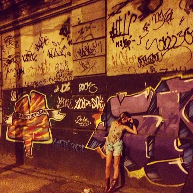 O lendário muro do jockey #graffiti #tags #photo #djonereal #styling #marygirl #artcollective @idolnoproject @sockppxi #artederua #arteurbana #streetart #streetartrio