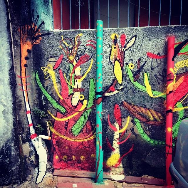O pequeno jardim, Rocinha 2014. #smael #smael13 #streetartrio