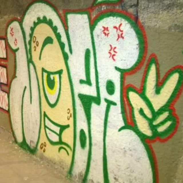 Ops #artistasurbanoscrew #ilovebomb #bomb #tagsandthrows #throwup #streetartrio #suburbiocarioca #instagraffiti #graffitiwriters #streetwriters #ruasdazn