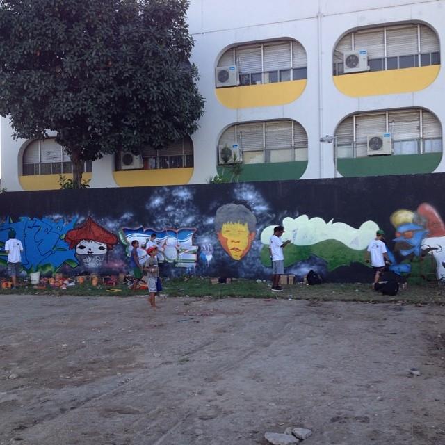 Reação Crew representando muito! Paredão no #Jacaré! #graffit #graffiti #streetartrio #arte #artederua
