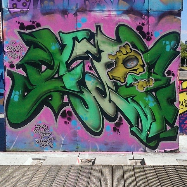 #graffitishot #graffitiisthebest #graffiti_and_grime #grafiteros #graffiti #graffitigram #graff #graffitichannel #streetarteverywhere #streetartarchive #streetphotography #streetart #streetartrio #urbangraff #urbangrafite #urbanart #klotter #piece #ilovegraffiti #ilovebombing #instagraffiti #instagraff #streetartofficial #precious_graffiti