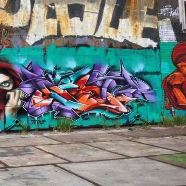 #graffitiwall #graffiti_and_grime #grafiteros #graffiti #graff #streetarteverywhere #streetartarchive #streetphotography #graffitiworld #graffitichannel #klotter #elgraffiti #urbangraff #urbanart #urbangrafite #instagraffiti #instagraff #ilovegraffiti #ilovebombing #precious_graffiti #piece #graffbex #streetart #streetartrio