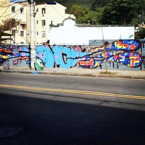 JC & BLA lins vasconcelos valeu meu mano sempre bom pintar contigo @tiagobla !! #instaart #spray #riodejaneiro #rj #instagraffiti #graffiti #graffite #artederua #art #artist #urbanart #graffitibrazil #graffitebrazil #loveart #spraypaint #streetart #freestyle #graffitirj #graffrio #rua #mtn #hiphop #streetartrio #ruasdazn #trapacrew #tafaltandomuro