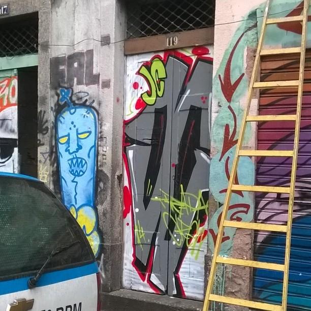 JCgrafitadoouadesivado?? Lapa rj #trapacew #streetartrio