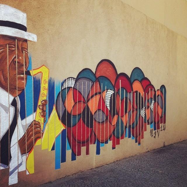 Mestre Pixinguinha  ... Com irmão Garvey ... #naviu #pixinginha #streetartrio #streetart