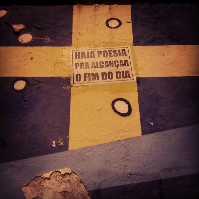 Pois é... #santateresa #grafite #poesia #humordodia #depreposferias #rio