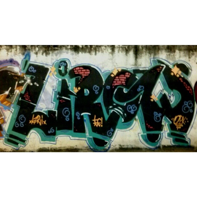Pra quem é ta bom rs #streetartrio #streetart #piece #riodejaneiro #brazil #vandal #ic #invasores #writer #ruasdazn #graffiti #art #fuckthepolice #piece #filhodopeixe