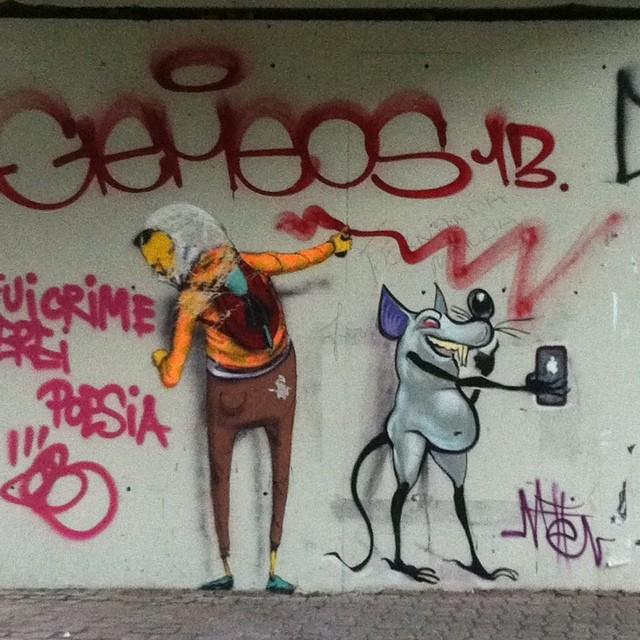 Ratones fazendo um selfie com OsGemeos! #osgemeos #streetartrio #metton