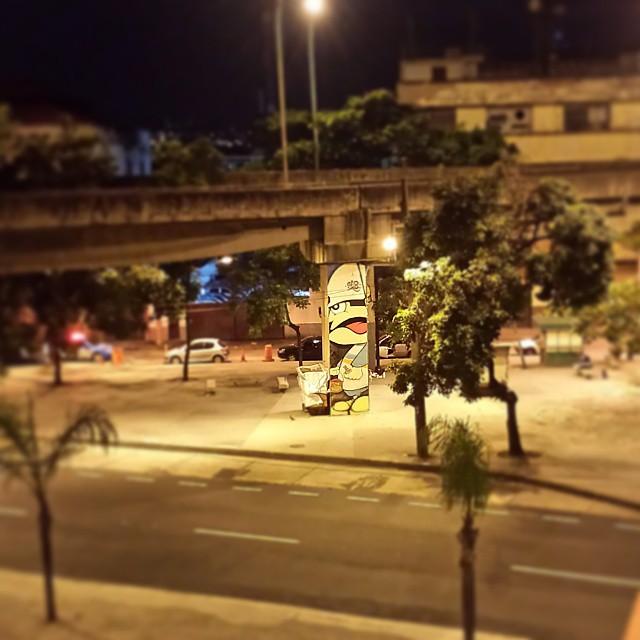. ° • ○ ●   #graffiti #streetart #streetartrio #brasilgraffiti #brazilianart #graffitirj #art #texture #xarpi #bomber #throwups #tags #writer #bombers #graffitibrazil #colorjet #gloye #kaduori #detail