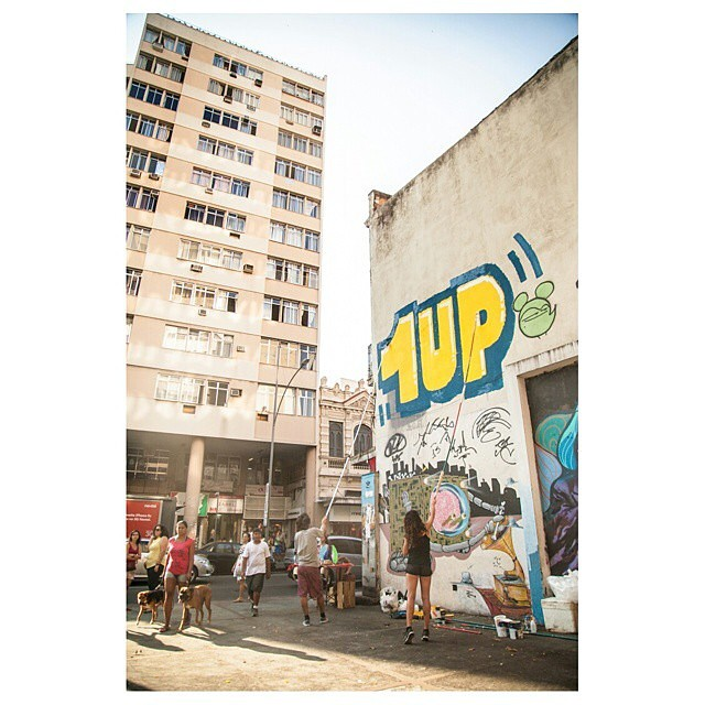@1up_crew_official no Rio! • #rjvandal #streetartrio #graffiti #1up #streetart #graffitiart