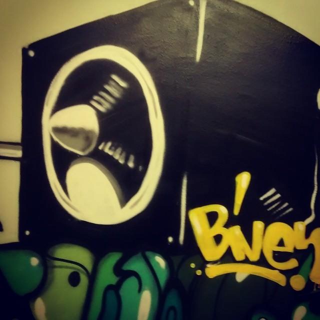 Amplifique-se #biveselecta #streetartrio #instagraffiti Hotel da Loucura eng de dentro