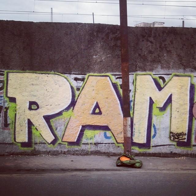 Bomb em osvaldo cruz #art #arte #graff #graffiti #bomb #lifestyle #pintura #ram #ruasdazn #spraycan #streetartrio #streetart #tag #urban #urbanart #vandal #vandalart