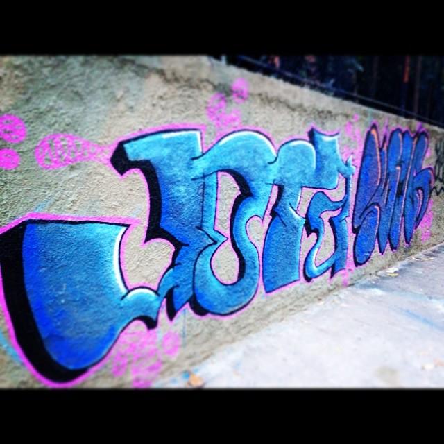 Bombeando #ilovebombing #bombing #tagsandthrows #graffiti #streetartrio #throwups #urbanart #55 #jota #original