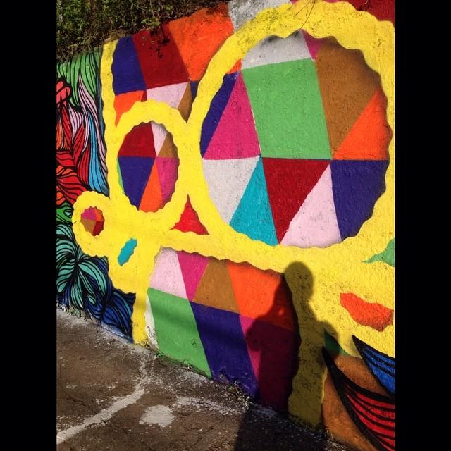 Domingão de sol junto com os amigos @brunobig e @tarm1 aqui em Santa Teresa!! #graffiti #graffitiart #graffitirio #streetart #streetartrio #geometric #logo #colors #riodejaneiro #mga